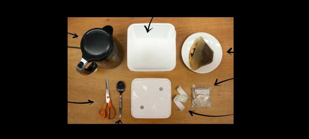 Tarvikkeet: - Growkit - kiehuvaa vettä - käytettyjä kahvinporoja - pala sienirihmastoa - hengittävää teippiä - sakset - lusikka